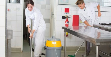 Ostrianet.gr - Καθαρισμός εστιατοριου